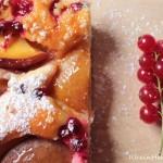 Auf die Kuchengabeln, fertig, los….Nektarinen-Johannisbeer-Kuchen