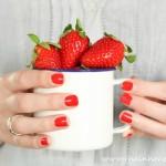#grosseErdbeerliebe | Grütze aus Erdbeeren und Minze mit Hugo-Zabaione