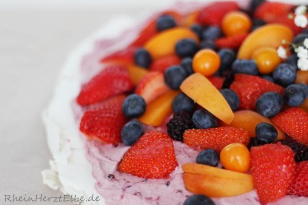Pavlova_dessert_rheinherztelbe