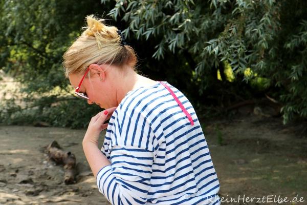 DIY Upcycling Sweatshirt Reissverschluss rheinherztelbe 10