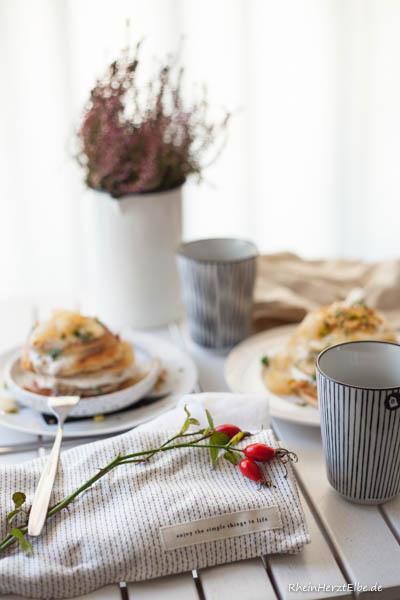 Pancakes mit Apfel-Birnen Kompott RheinHerztElbe
