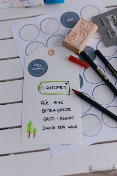 Wir feiern Weihnachten| Rheinherztelbe Adventskalender für Hunde